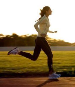 hacer-ejercicio-en-ayunas-para-quemar-grasa-300x350
